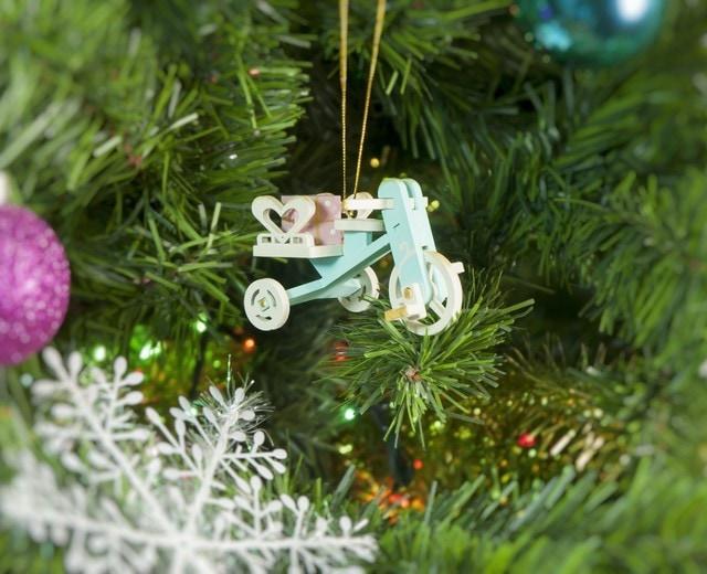 Елочная игрушка - Детский велосипед с багажником  56GG64-25804 Heart