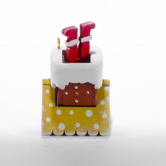 Елочная игрушка - Домик с ногами Санта Клауса 290-3