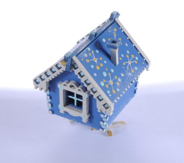 Елочная игрушка, сувенир - Избушка на курьих ножках 650-3