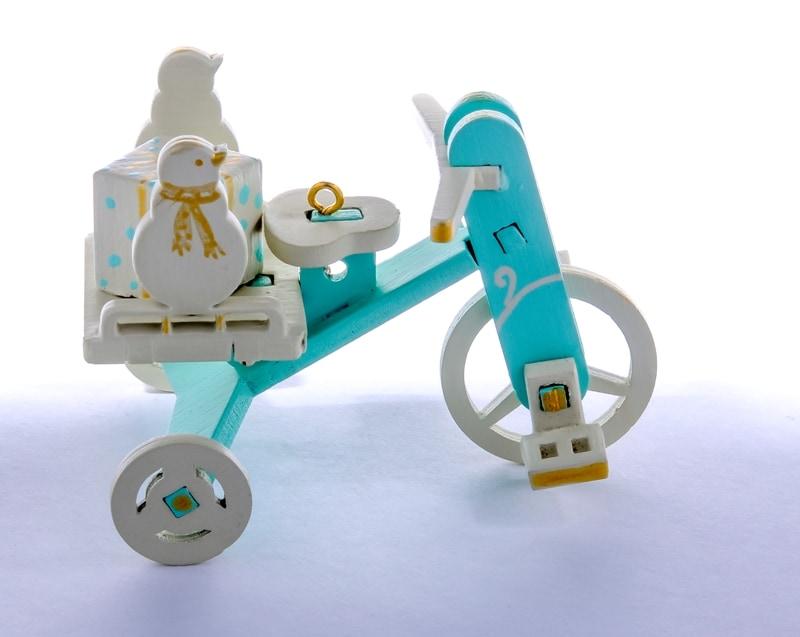 Елочная игрушка - Детский велосипед с багажником  56GG64-25804 SnowMan