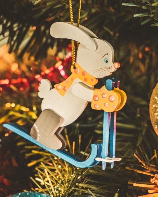Елочные игрушки - Зайчик на лыжах 370-1