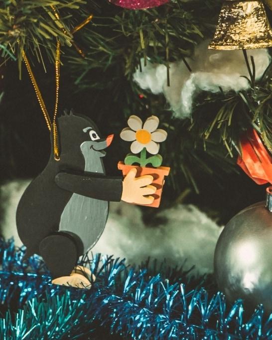 Елочная игрушка - Кротик с цветком 9005