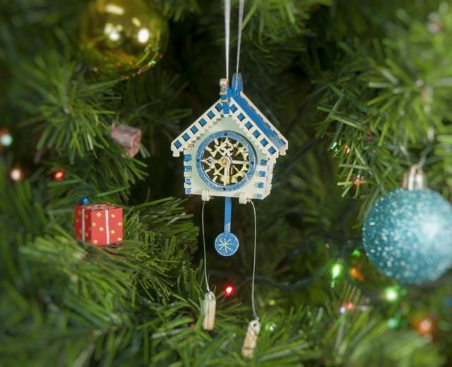 Ручные елочные игрушки: Часы с маятником 1013 Blue Roof