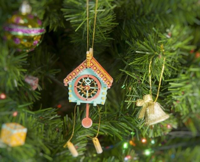 Елочная игрушка, сувенир - Часы с маятником 56GG64-25804 Apricot Roof