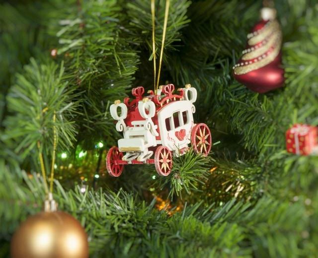 Новогодние елочные игрушки: Карета крытая 3020 Red Heart Santa