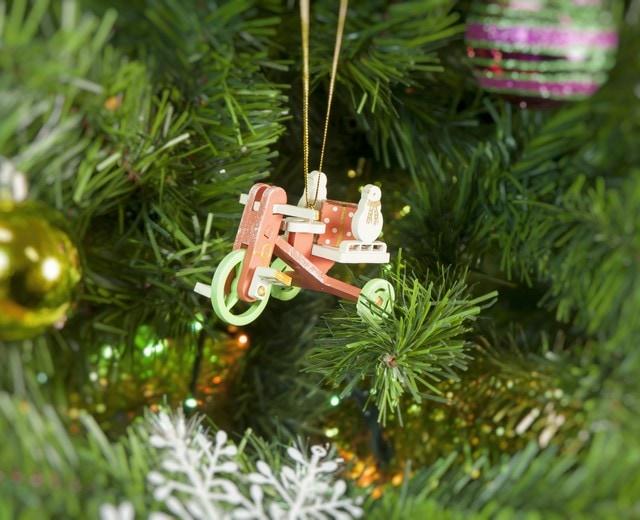 Декоративная елочная игрушка - Детский велосипед с багажником 410-3 SnowMan