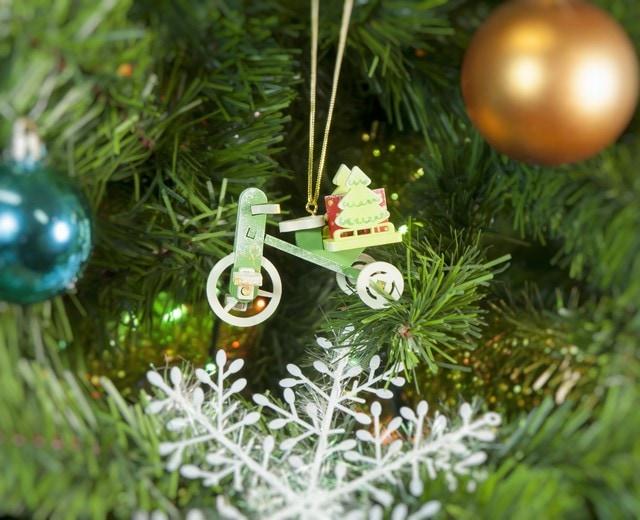 Елочная игрушка из дерева: Детский велосипед с багажником 6017 Tree