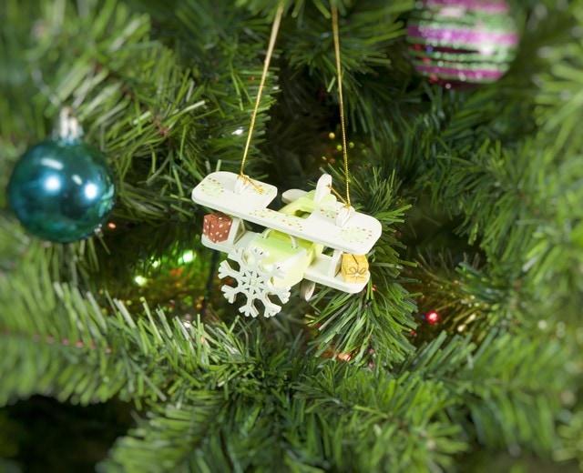 Деревянная елочная игрушка: Самолет Биплан 90YY61-504