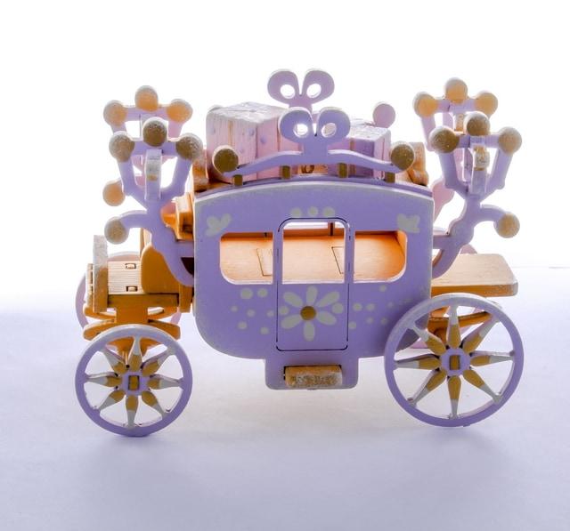 Новогодние украшения для дома: Карета крытая 370-1