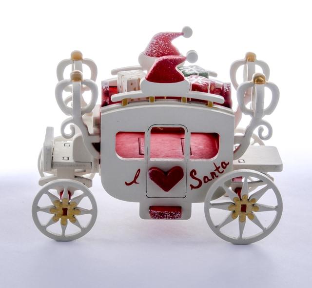 Новогоднее украшение интерьера: Карета крытая 3020 Heart Santa