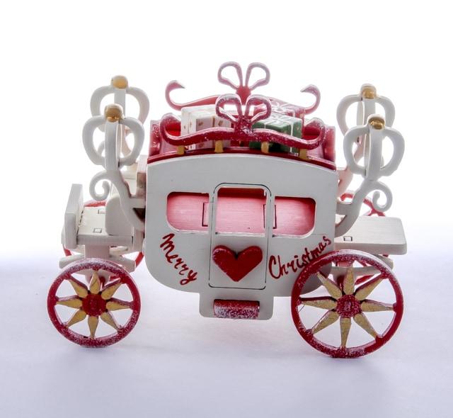 Карета крытая 3020 Red Heart Santa
