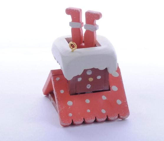 Домик с ногами Санта Клауса 410-3