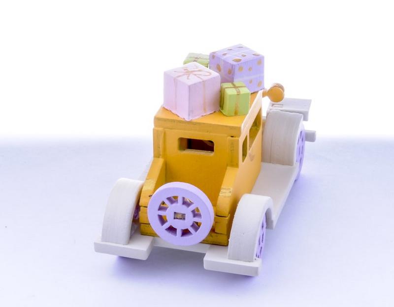 Машинка легковая 370-1
