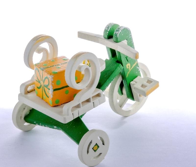 Елочная игрушка - Детский велосипед с багажником 6017 Twirl
