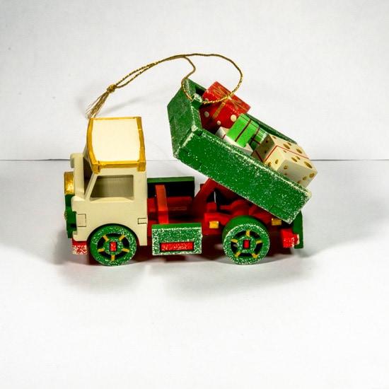 Ручные елочные игрушки: Грузовичок 1013
