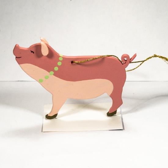 Новогодние украшения: символ 2019 года - Свинка с бусами 3015