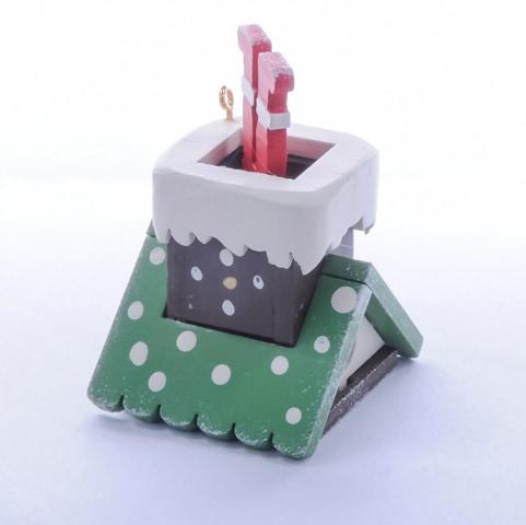 Игрушка на елку из дерева: Домик с ногами Санта Клауса 6017