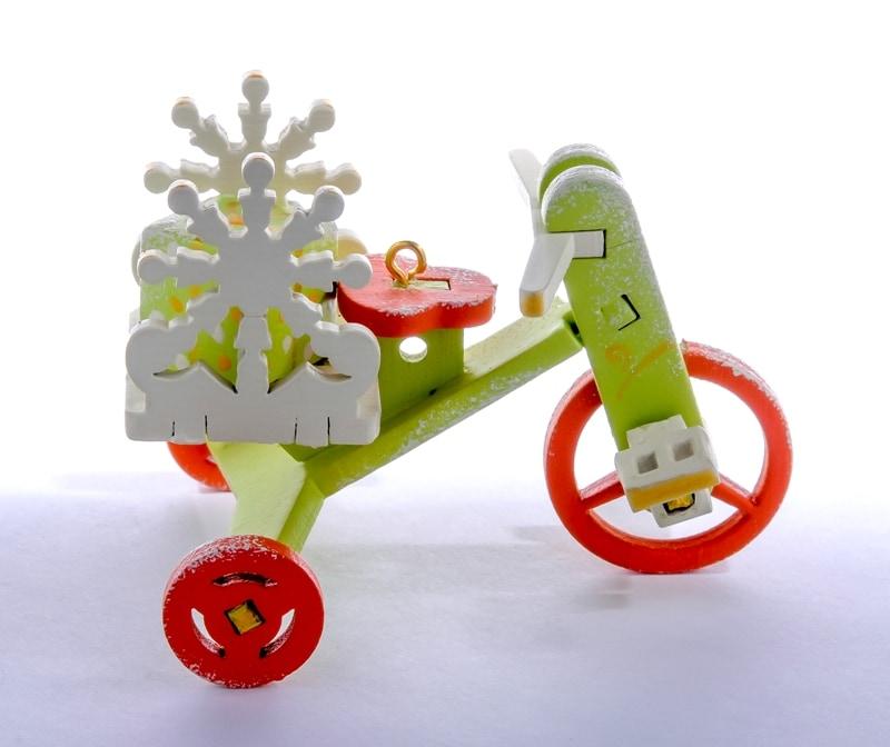 Елочная игрушка - Детский велосипед с багажником 90YY61_504 SnowFlake