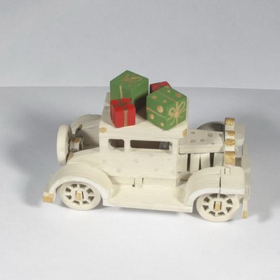 Новогоднее украшение интерьера: Машинка легковая 1013 White winter