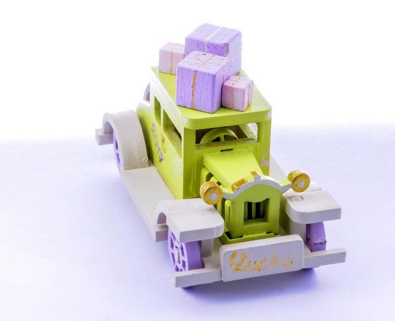 Машинка легковая 90YY61-504