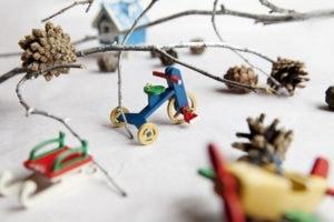 Деревянная елочная игрушка - сувенир